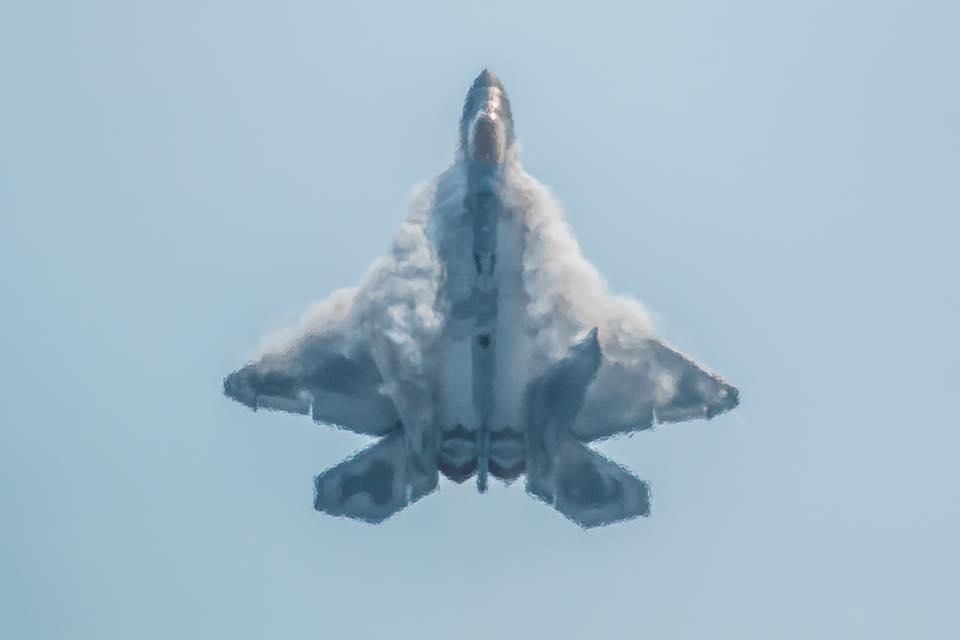 F-22 Raptor confirma presencia en FIDAE 2016