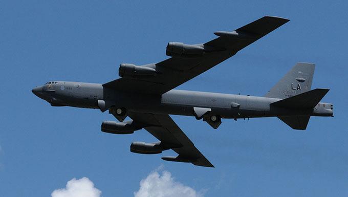 USAF marca su presencia en FIDAE 2016  con el Bombardero B-52 y mucho más