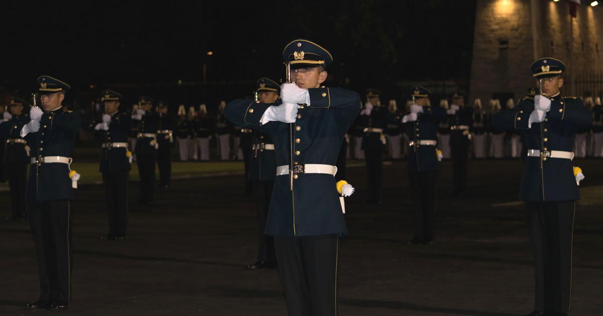 Ceremonia y desfile Bicentenario Escuela Militar Chile y Entrega de Espadines 2017
