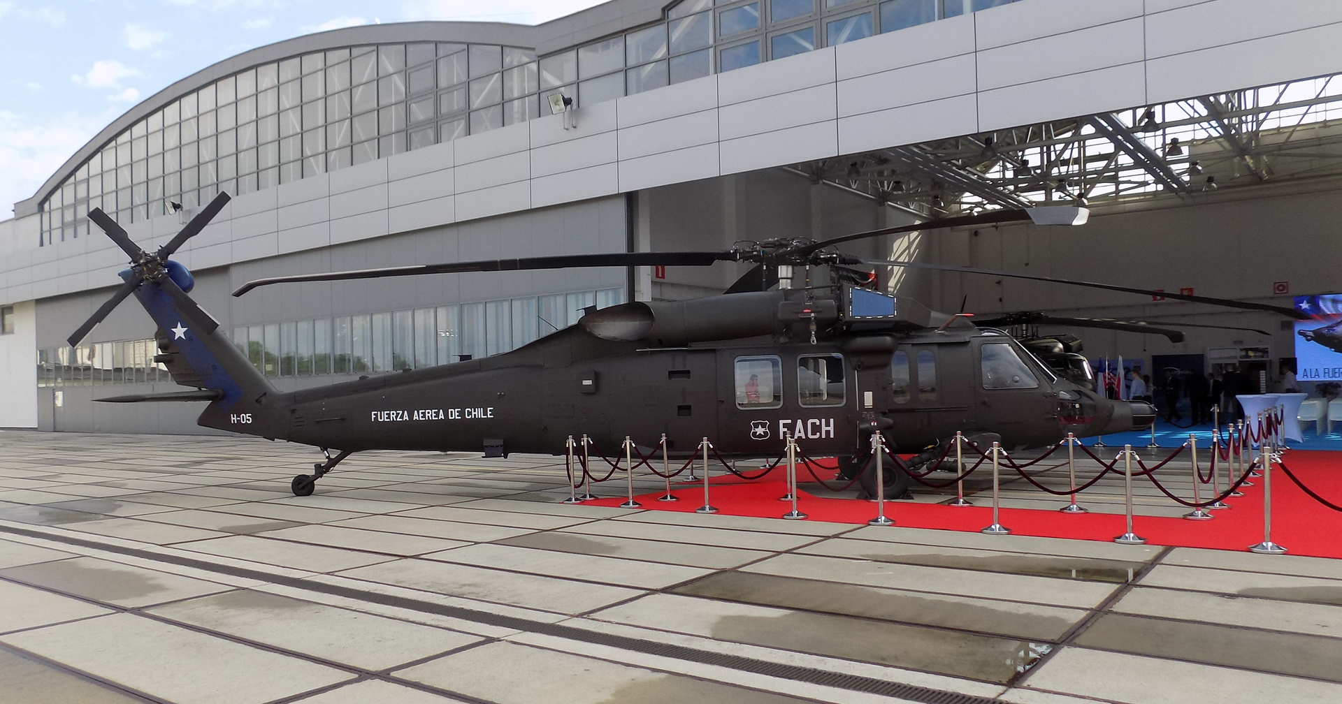 Photo of Llegan a Santiago los nuevos helicópteros S-70i (MH-60M) Black Hawk