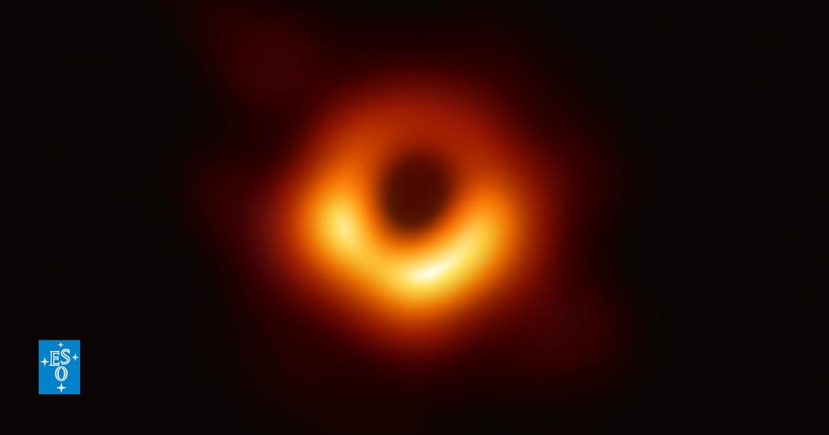 Un equipo de astrónomos capta la primera imagen de un agujero negro