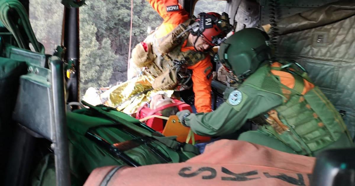 Fuerza Aérea rescata andinista accidentado desde la quebrada de Macul