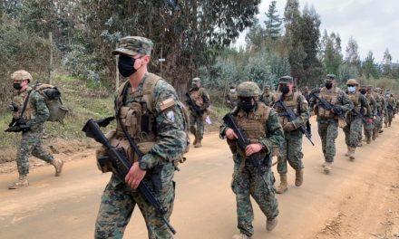 """Efectivos del Regimiento N° 6 """"Chacabuco"""" marchan a Curicó y homenajean a héroes de La Concepción"""