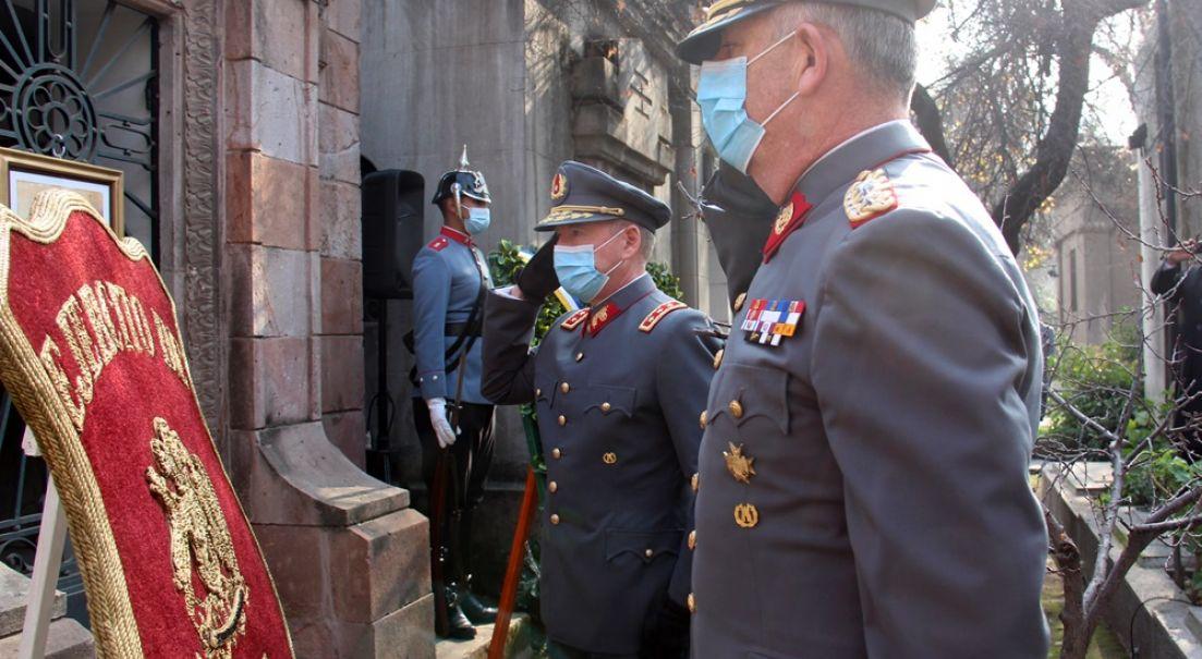 Ejército realizó homenaje al General de División Sofanor Parra