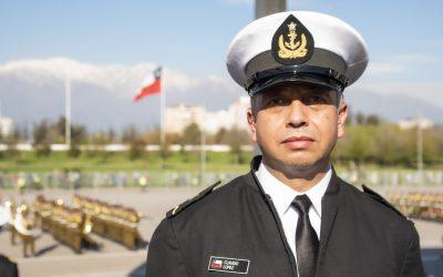 La historia de la voz Oficial de la Armada en la Parada Militar 2021
